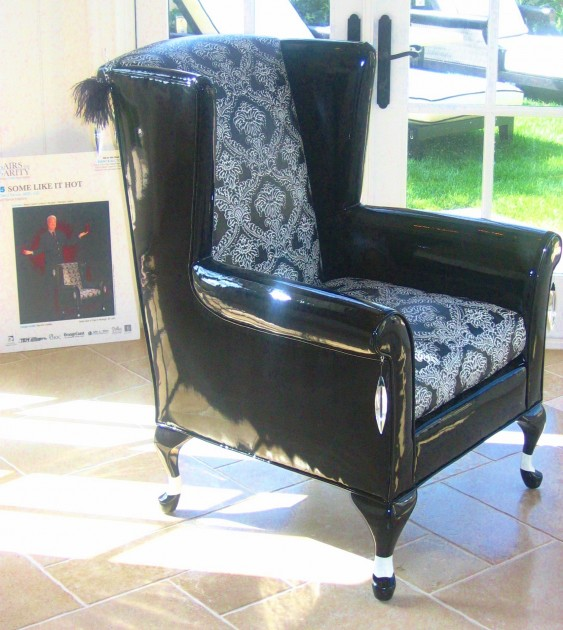 Townsend Leather Residential_Aniline Gaufrage Black & White Palm Damask on Chair